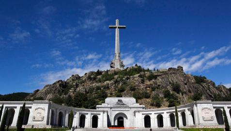 El Congreso pide exhumar los restos de Franco del Valle de los Caídos