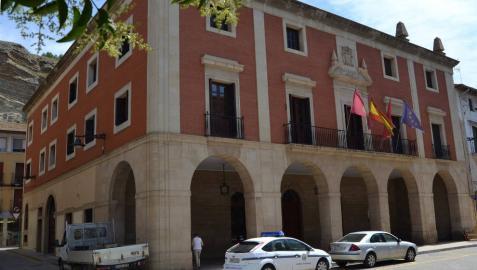 Fachada principal del ayuntamiento de Lodosa.