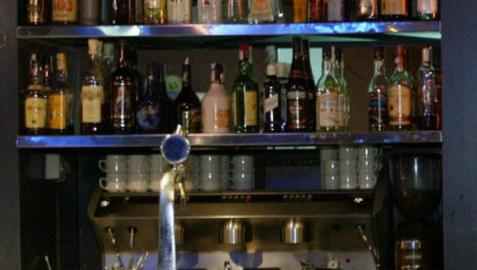 Denunciados dos bares y una discoteca en Navarra por infracciones graves de aforo