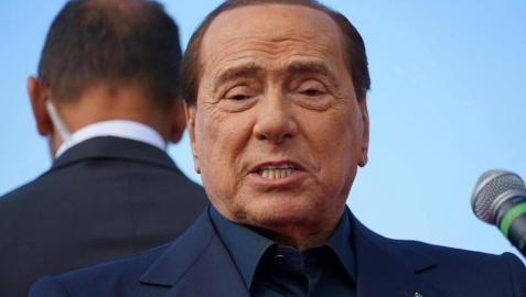 Berlusconi, su nueva novia y dos de sus hijos dan positivo por coronavirus