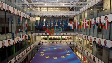 Interior de la sede de la Comisión Europea.