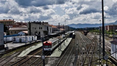 Pamplona solicitará al Gobierno foral la convocatoria del consejo del Consorcio del TAV