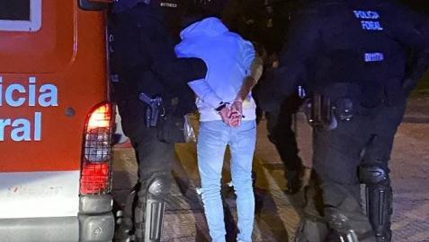 La Policía Foral ha detenido este fin de semana a tres personas por violencia de género en Ansoáin, Lodosa y Azagra