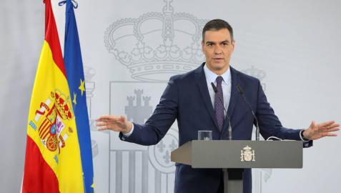 El presidente del Gobierno, Pedro Sánchez, interviene en una rueda de prensa tras la reunión del Consejo de Ministros en Moncloa.