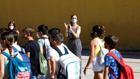 Niños y adolescentes padecen ahora menos infecciones por las mascarillas
