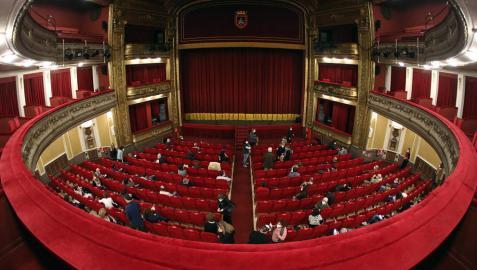 Asistencia de público al teatro Gayarre con medidas de aforo reducido