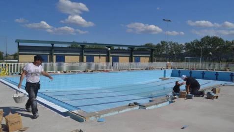 Las piscinas de Mendavia se preparan para abrir con 357.000 € en mejoras