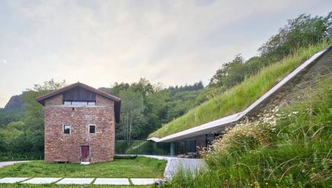 Dos casas navarras para reflexionar sobre la España vacía/ España llena