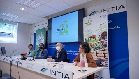 Mirian Otxotorena presidenta de CPAEN; Silvia Larrañeta, coordinadora de promoción y proyectos de CPAEN; Natalia Bellostas, gerente de INTIA; y Fernando Santafé, director general de Desarrollo Rural.