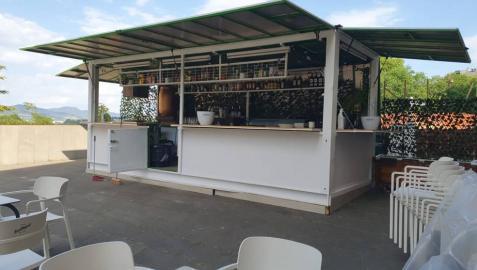 Tres bares de la calle Tejería abren terraza en la trasera del Labrit