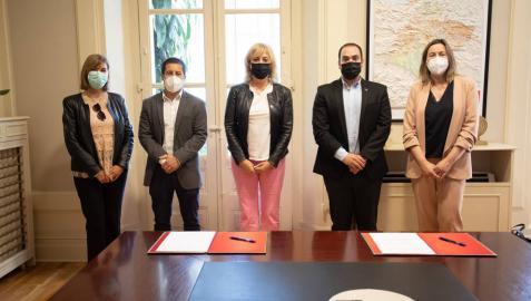 Firmado un convenio para que entidades locales puedan acceder a ayudas europeas