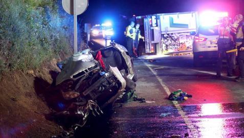 Tres muertos en un accidente entre un coche y un camión en Caldas (Pontevedra)