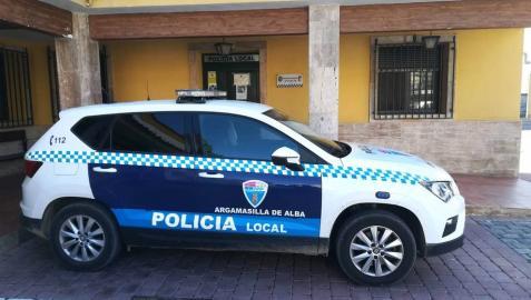 Un coche policial en Argamasilla de Alba.