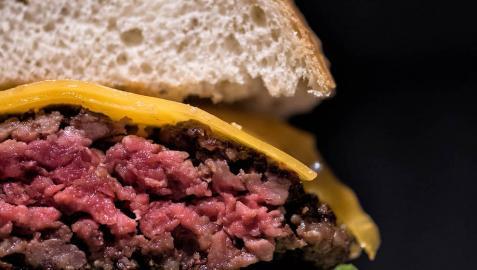 La hamburguesa de la hamburguesería Silbs ha sido proclamada como la preferida de la comunidad autónoma.