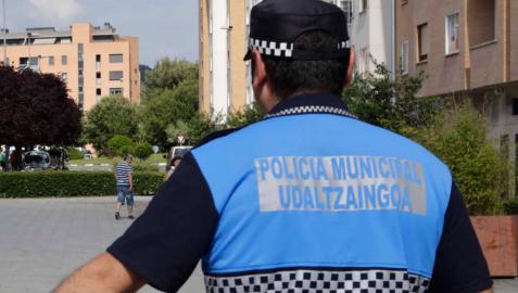 Un policía municipal de Ansoáin.