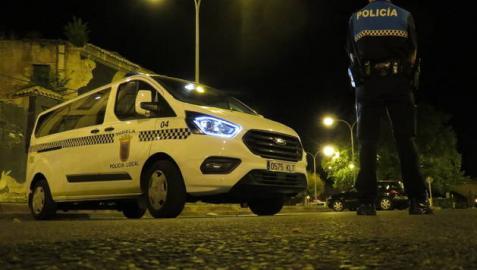 Patrulla de la Policía Local de Tudela en un control nocturno