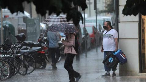 Las precipitaciones han llegado a Pamplona este jueves dejando unos 20 litros por metro cuadrado en la capital.