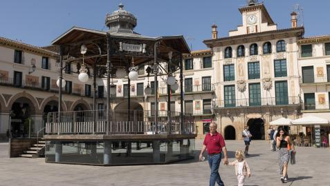 El emblemático quiosco situado en la céntrica plaza de los Fueros de Tudela, inaugurado el 11 de julio de 1921 y que ahora cumple cien años