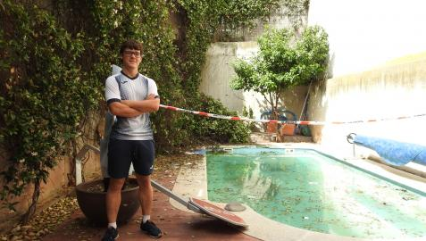 Igor Arigita López, el joven que, junto a su hermana, logró sacar al conductor del agua.