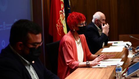Los consejeros Remírez, Santos Induráin y Aierdi, en la rueda de prensa.