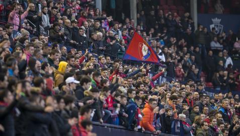 Aficionados en el encuentro en El Sadar ante el Real Madrid en febrero de 2020