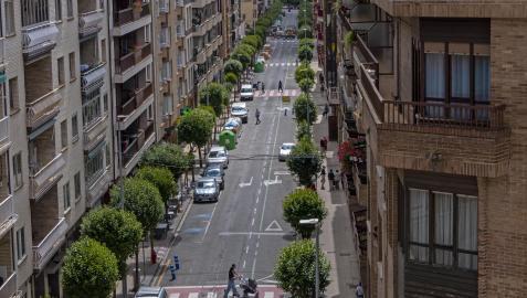 El Paseo de la Inmaculada de Estella, en una imagen inédita cerrado al tráfico salvo en su tramo final desde la calle Gustavo de Maeztu