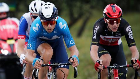 Un momento de la duodécima etapa del Tour de Francia 2021 con el navarro Imanol Erviti en el grupo de fugados