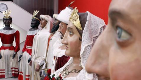 Imagen de las figuras que componen la Comparsa de Gigantes de Pamplona
