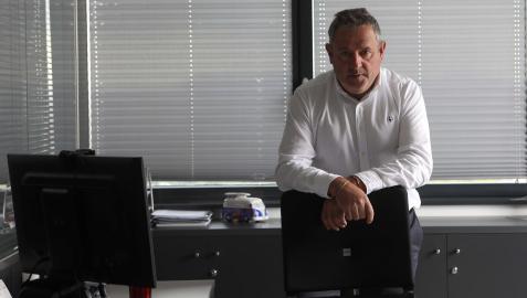 Carlos Sagüés Saldive dirige desde su despacho en Orkoien la red de concesionarios en toda Navarra de marcas tan variadas como Volkswagen, Audi, Skoda, KIA o Opel