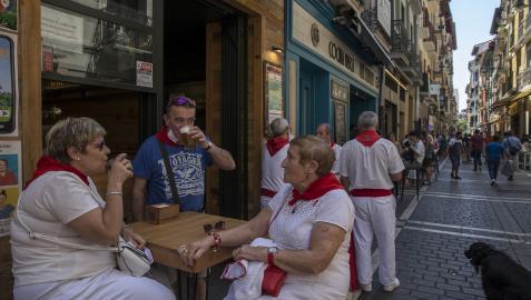 El blanco y rojo estuvo más presente que el año pasado en las calles de Pamplona
