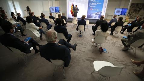 El presidente del Gobierno, Pédro Sánchez, durante su intervención en la presentación del PERTE para el desarrollo del vehículo eléctrico y conectado, en La Moncloa.