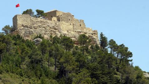 Una vista panorámica del castillo de Monjardín
