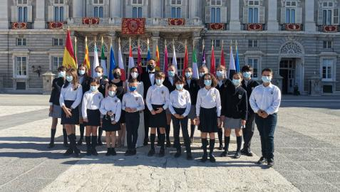 Los niños  del Orfeón Pamplonés que participaron en el acto