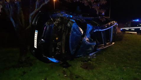 Imagen del accidente en la rotonda de Ofitas