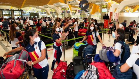 Miembros del equipo olímpico español, en Barajas