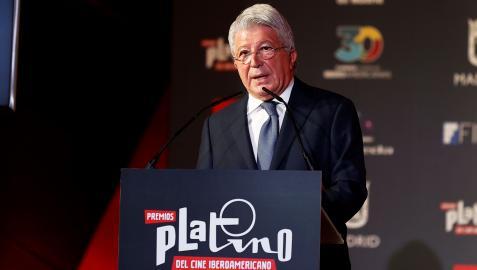 Enrique Cerezo durante la lectura de los nominados a los Premios Platino del Cine Iberoamericano