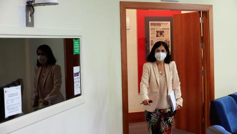 La ministra de Sanidad, Carolina Darias, antes del inicio de la rueda de prensa tras el Consejo Interterritorial de Salid