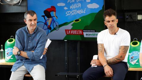 Javier Guillén y Óscar Pereiro, en la presentación de la Vuelta Ciclista 2021
