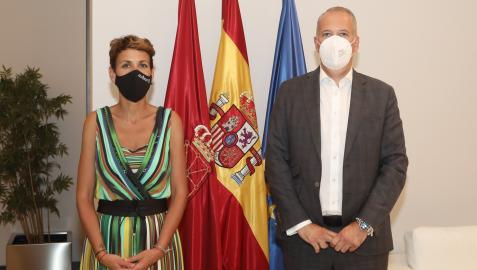 María Chivite junto a Markus Haupt, nuevo director de Volkswagen Navarra