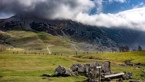 Campas de Urbia en el Parque Natural de Aizkorri-Aratz