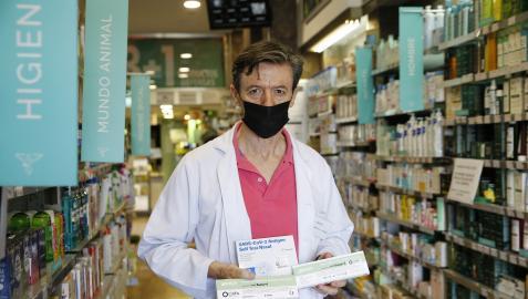 Alberto Marfil García, de la Farmacia Yanguas 24 h, asegura que no van a faltar test