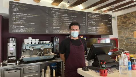 David García en su cafetería, The Cookie Shop