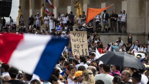 Protesta en Francia contra el pase sanitario