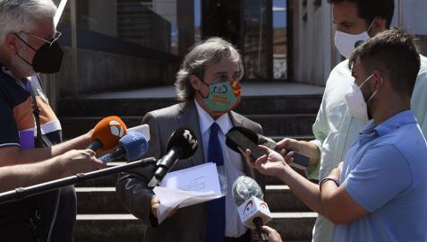 Germán-Ramón Inclán Méndez, abogado de los cuatro ciudadanos portugueses presuntamente implicados en un caso de violación a dos mujeres en una pensión de Gijón en la madrugada del sábado