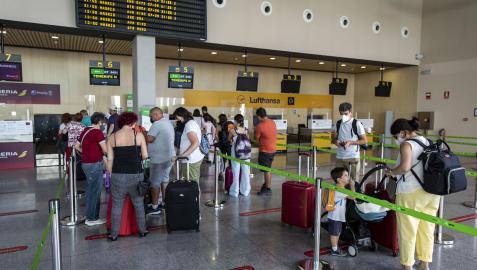 Imagen que presentaba la zona para facturar maletas del aeropuerto de Pamplona antes de un viaje a Tenerife la semana pasada