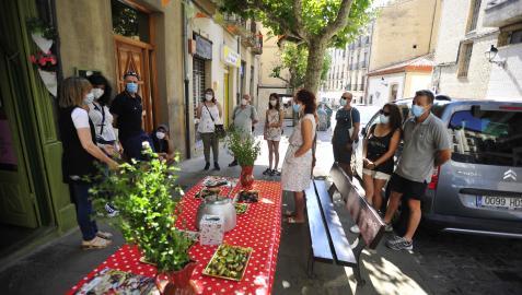Imagen de una gastro visita por Tafalla en el momento donde se degustaron productos locales