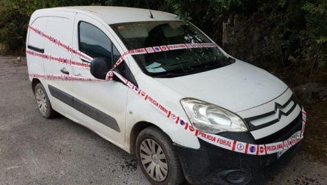 Imagen del coche a manos de la Policía Foral
