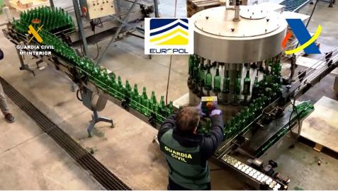 En la operación se han incautado más de 600 toneladas de semillas y plantas, así como 116.000 litros de bebidas espirituosas