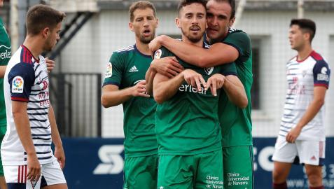 Kike Barja celebra su gol con Kike García