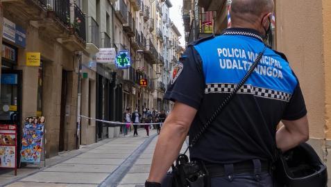 Un agente de la Policía Municipal en Estella